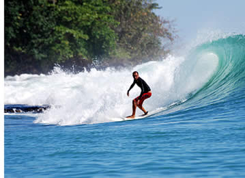 Surf Dumper con cautela, in quanto la barriera corallina è esposto a destra e di fronte a voi