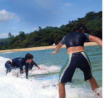 Lezioni di surf a Bocas del Toro al Beach Wizard